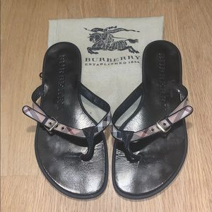 Burberry Flip flops thongs sandals black 7/37